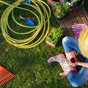 Utiliser le matériel approprié pour aménager un jardin